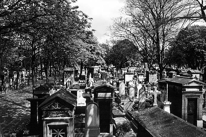 Paris photos in black and white - Montmartre - Cemetary