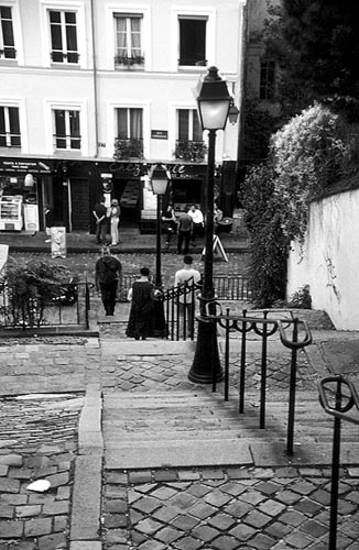 Paris photos in black and white - Montmartre - Stairs