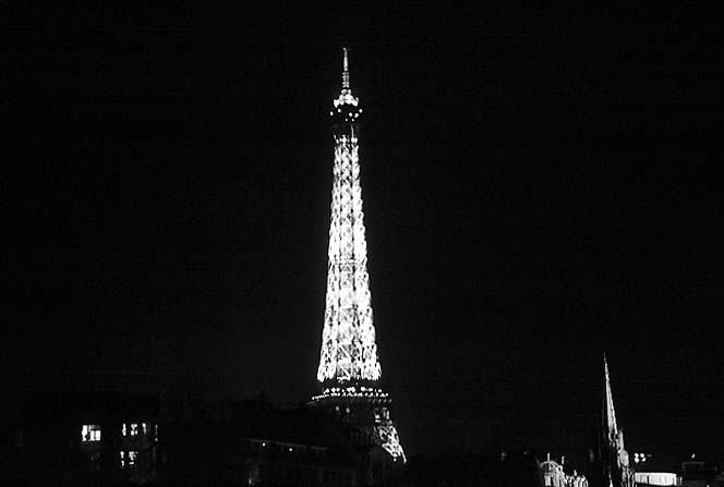 Paris photos in black and white at night - Eiffel Tower
