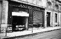 Paris black and white photos - Antique Shop and Garage