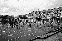 Paris black and white photos - Palais Royal